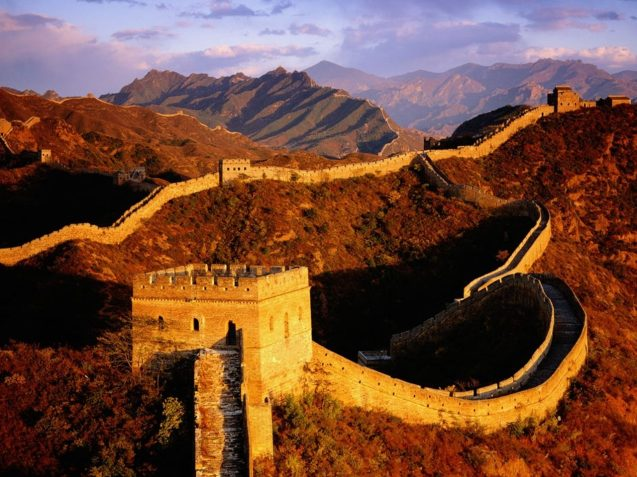 Great-Wall-Of-China-Side-View-4
